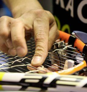 Le cordage pour raquette de tennis principale